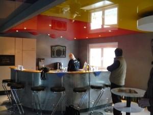 Zweifarbige Decke Küche/Bistro